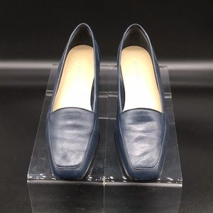 Enzo Angiolini Leather flat shoes 7.5N